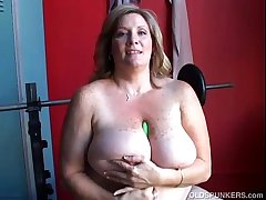 Grown-up BBW broad in the beam tits