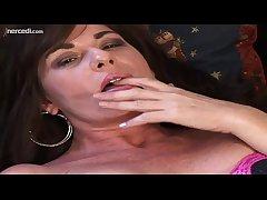 MILF Bella Roxxx Flicks Her Bean Exclusively